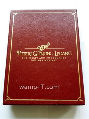 tailor made PU leather box with hotstamping and emboss